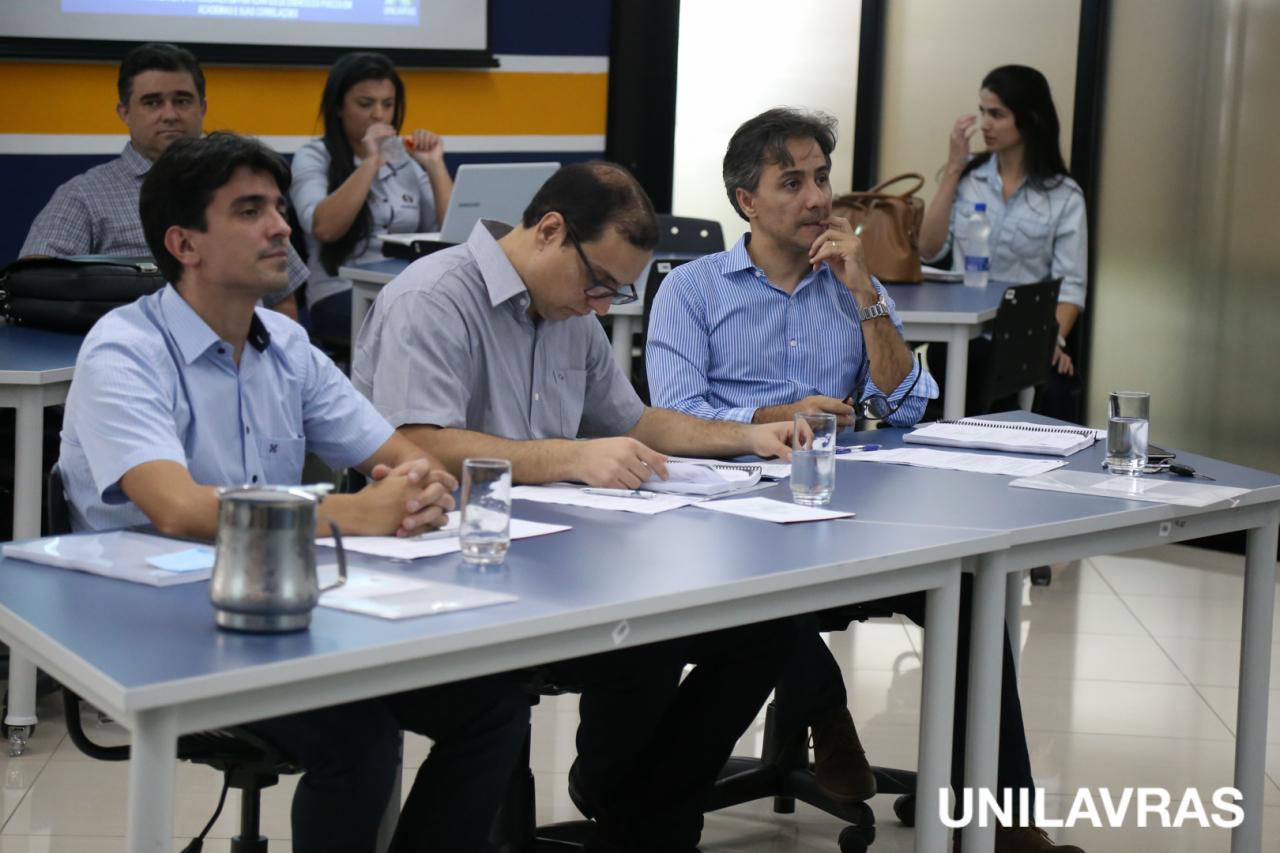 UNILAVRAS-9